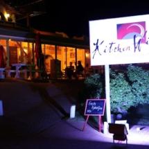 kitchenwindow_restaurant