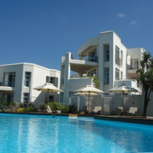 pool-and-diaz15